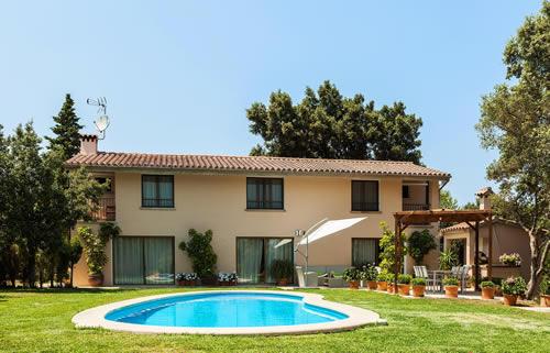 Villa Pollenca Can Llamas price range is €1106 euros