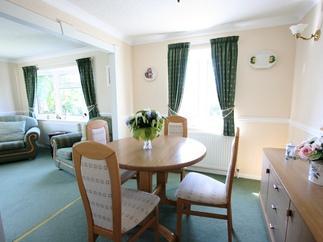 Willow Lodge price range is 292 - £621