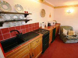 Wren Cottage price range is 259 - £434