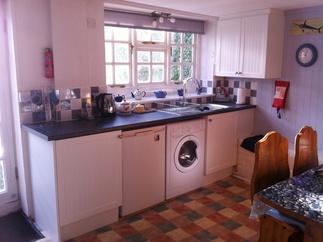 Taylor Cottage price range is 276 - £503