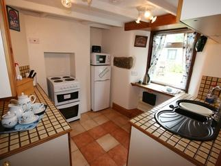 Honnor Cottage is in Sennen, Cornwall