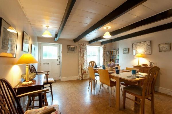 April Cottage Holiday Cottage