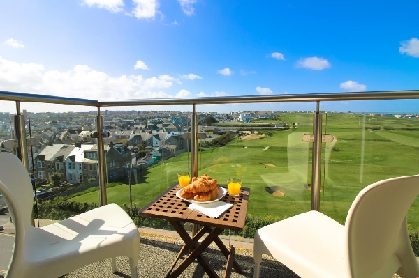 Zinc Penthouse 50 is located in Newquay