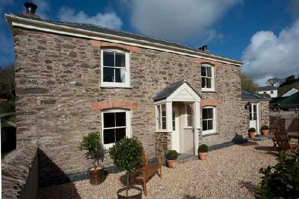 Riverside Cottage is located in Creekside Villages