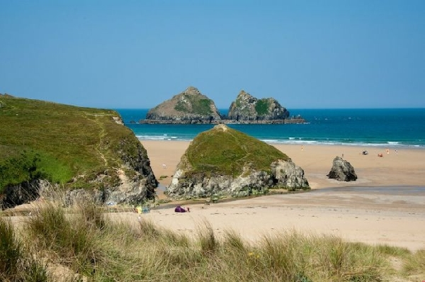 Beach Retreat is located in Holywell Bay