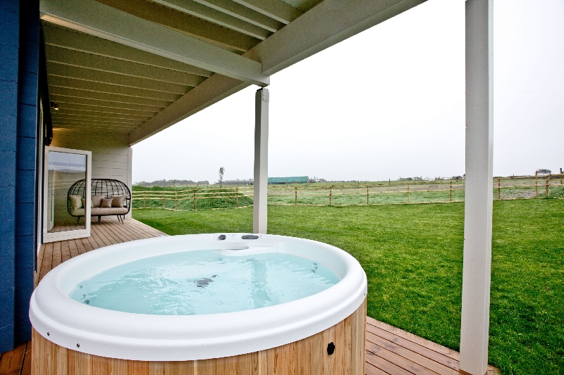 Thistledown - March End Lodges is located in Georgeham