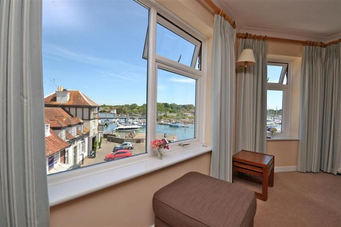 8 Admirals Court is in Lymington, Hampshire