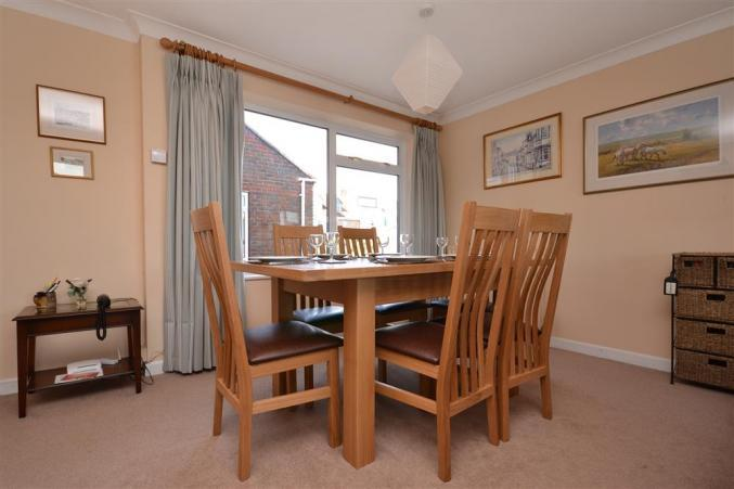 8 Admirals Court Holiday Cottage