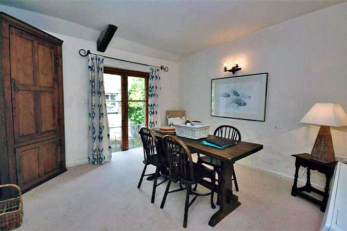2 Vale Cottage Pictures