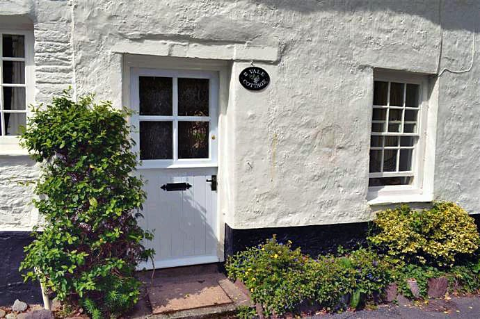 2 Vale Cottage is located in Slapton