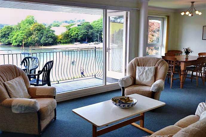 6 Riverside sleeps 4