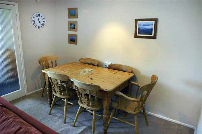 70 Cumber Close Holiday Cottage