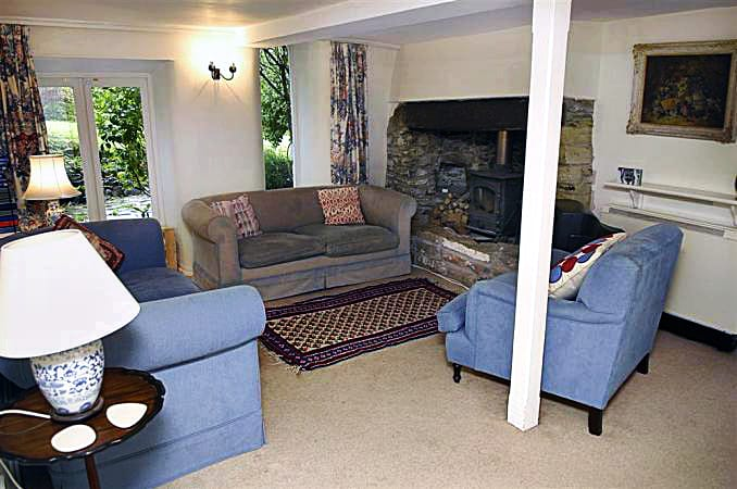 Binham Cottage sleeps 11