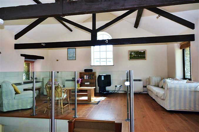 Court Barton, The Loft is located in South Huish
