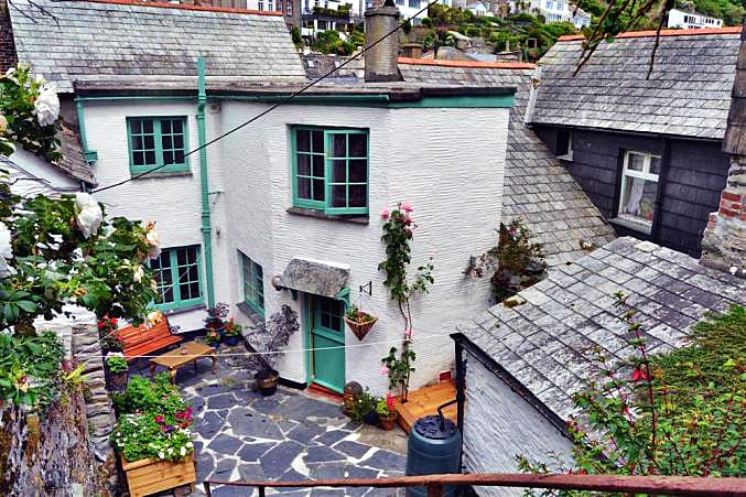 Dene Cottage is located in Polperro