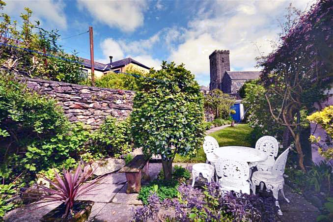 Higher Rose Cottage is located in Loddiswell