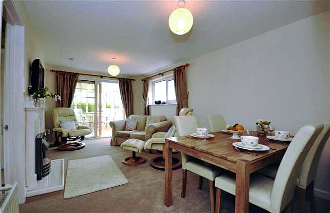 Kimberley Garden Cottage is in Ringmore, Devon