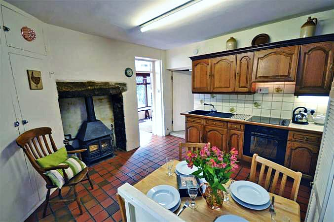 Moorlands Cottage is in Belstone, Devon