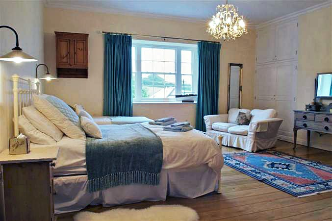 South Manor Cottage, Gerston Holiday Cottage