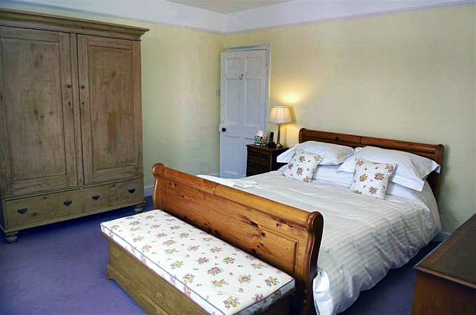 Western Knowle Holiday Cottage