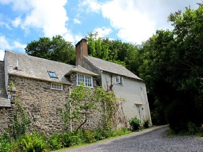 Worthy Cottage a holiday cottage rental for 2 in Porlock Weir,