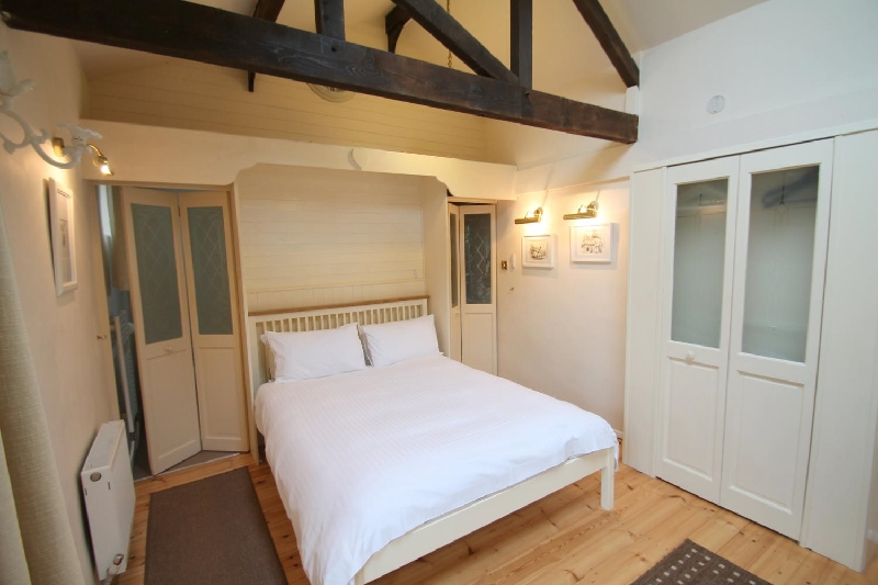 Little Court Apartment a holiday cottage rental for 2 in Porlock,