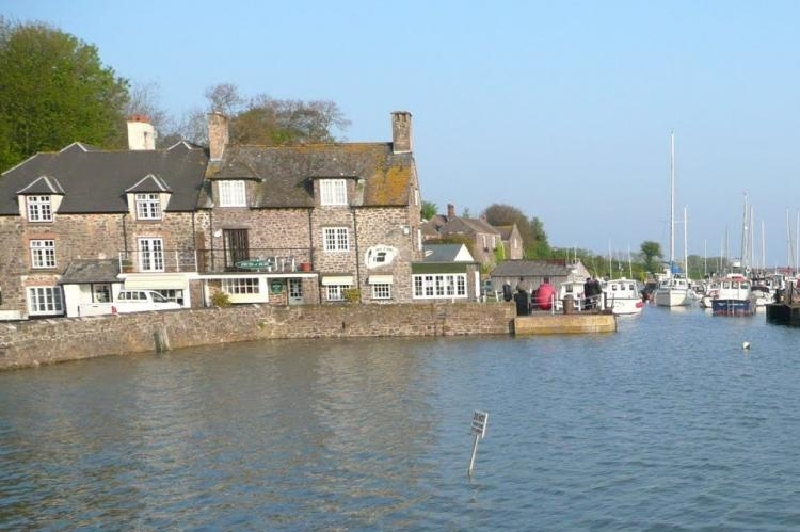 Harbour House Apartment a holiday cottage rental for 4 in Porlock Weir,