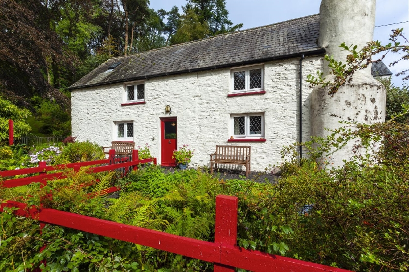 Cascade Cottage a holiday cottage rental for 6 in Exford,