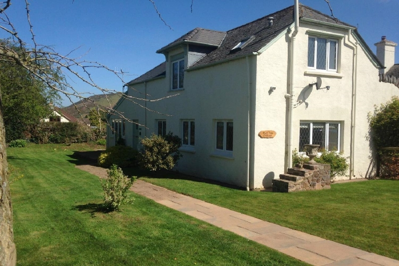 Plum Tree Cottage a holiday cottage rental for 6 in Porlock,