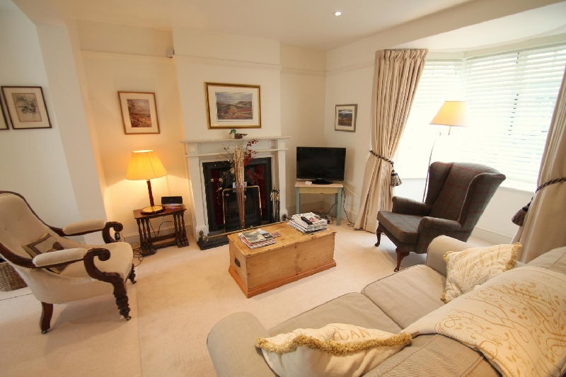 Details about a cottage Holiday at No 4 Lowerbourne