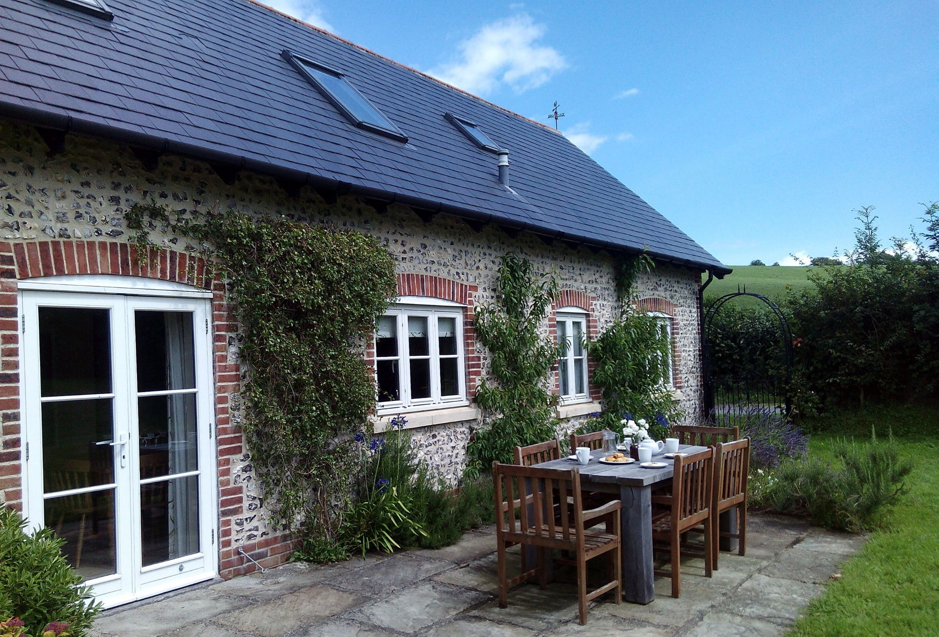 Rampisham Hill Farm Barn a holiday cottage rental for 6 in Beaminster and surrounding villages,