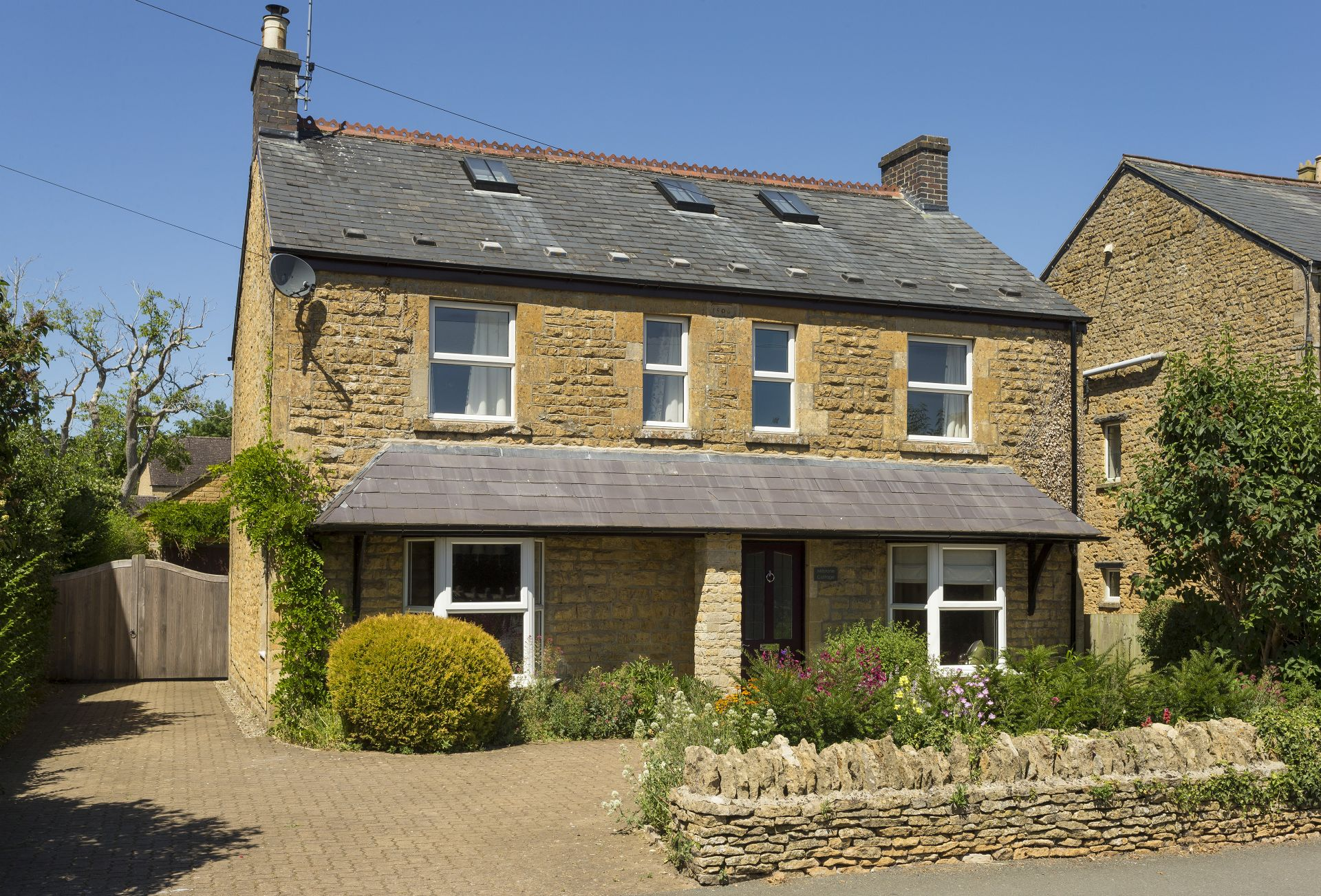 Details about a cottage Holiday at Millstone Cottage
