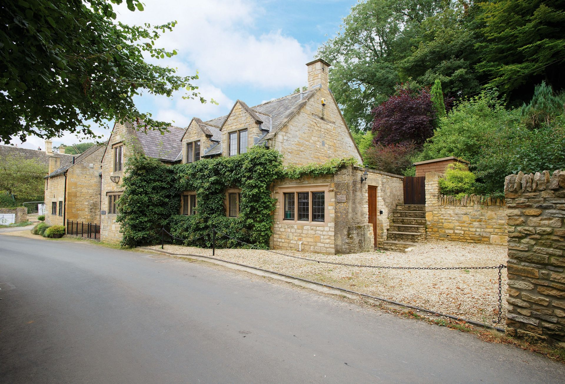 Oat House a holiday cottage rental for 7 in Snowshill,