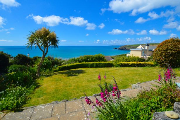 The Warren a holiday cottage rental for 7 in Praa Sands,