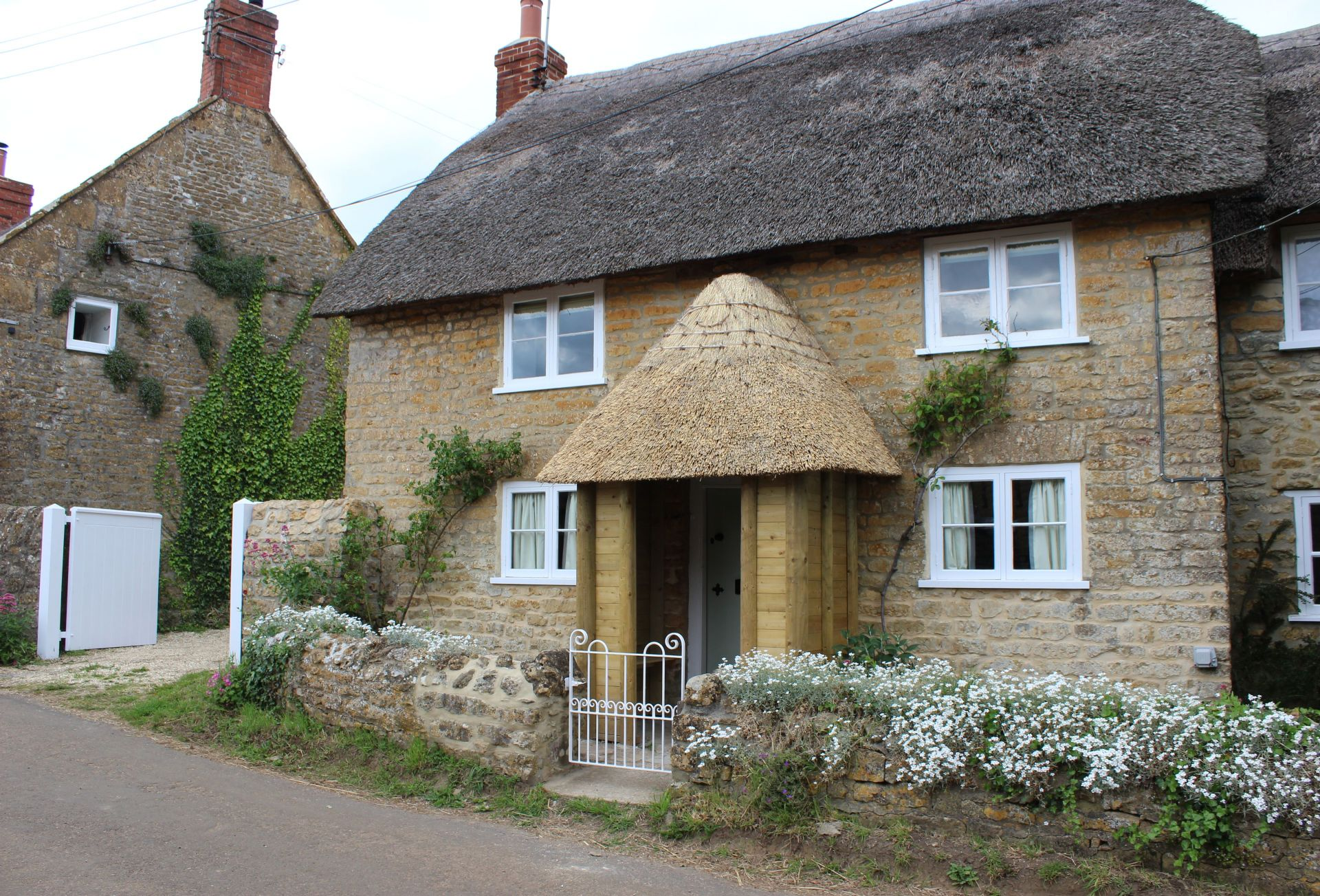 Vicarage Cottage a holiday cottage rental for 6 in Bridport and surrounding villages,