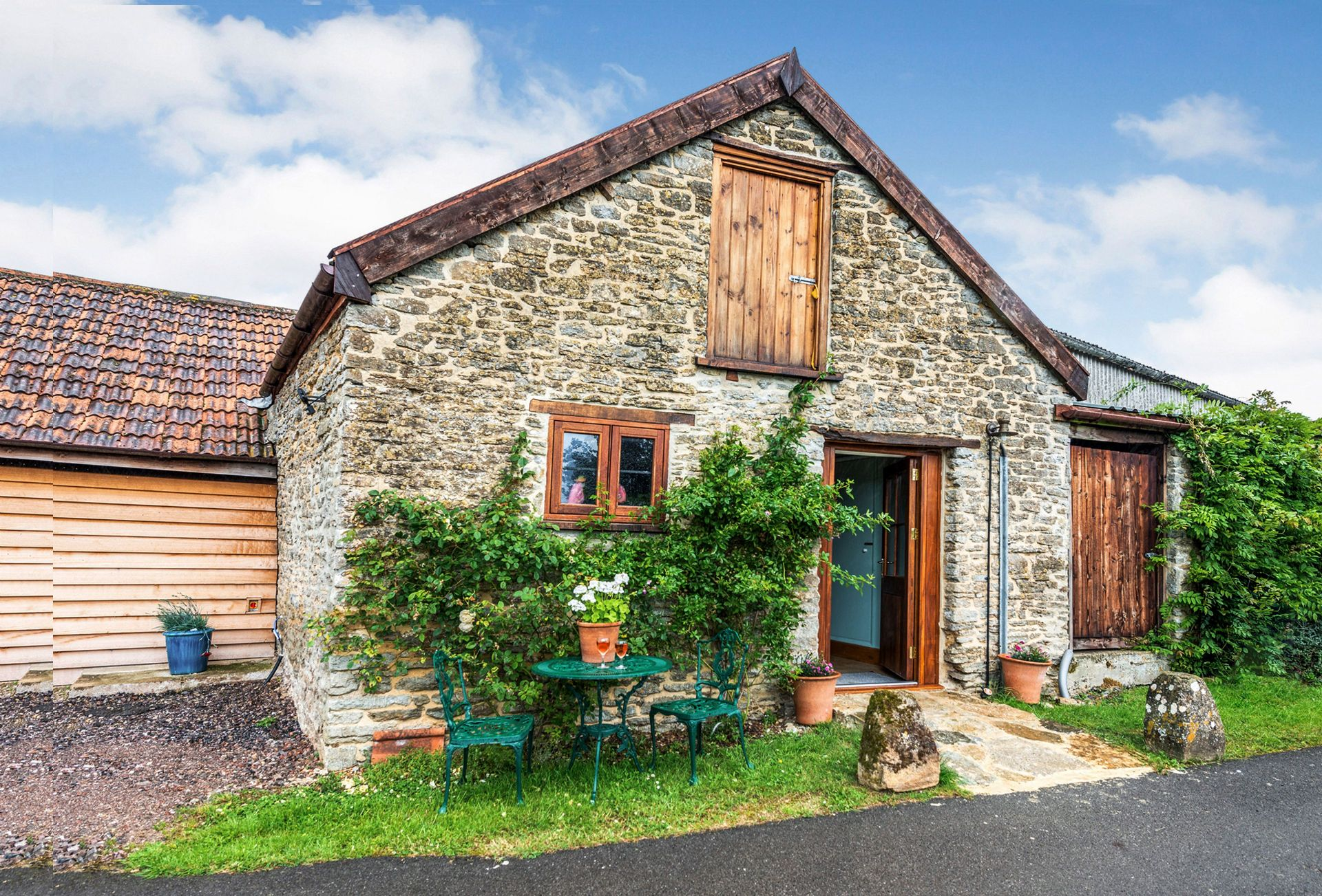 The Milking Parlour a holiday cottage rental for 2 in Sherborne and surrounding villages,