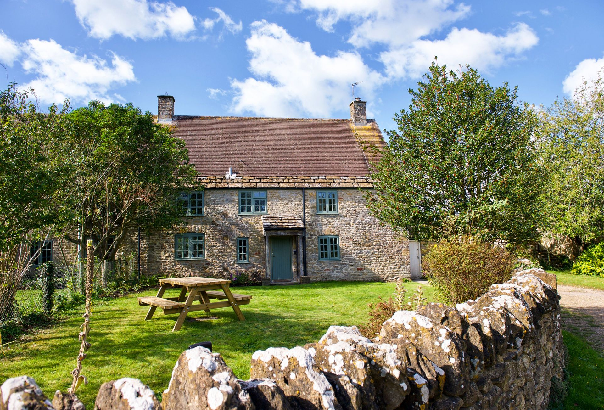 Bake House Cottage a holiday cottage rental for 6 in Sherborne and surrounding villages,