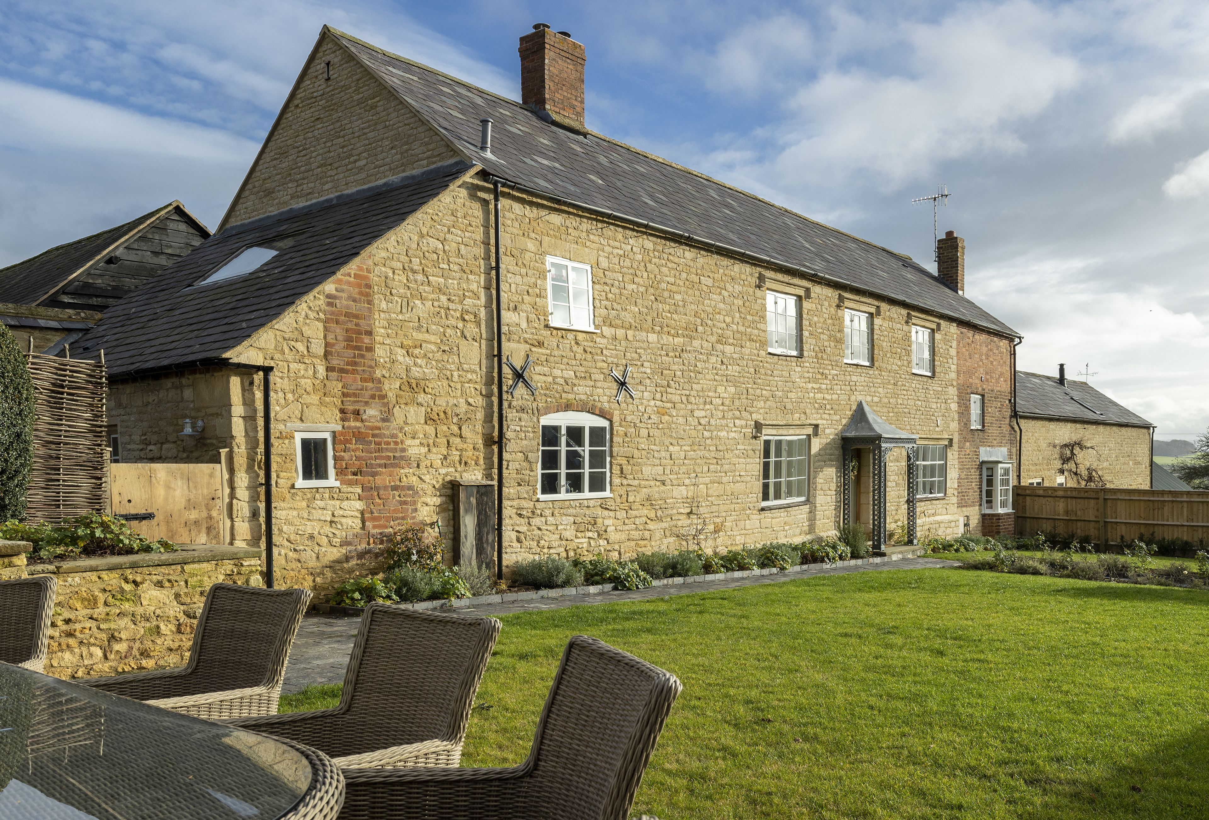 Manor Farm a holiday cottage rental for 10 in Grafton,