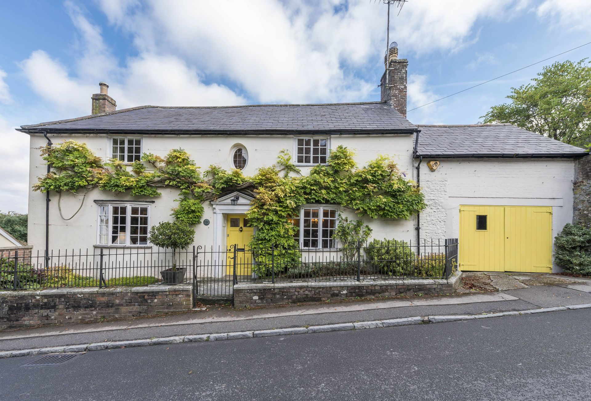 Yellow Rose Cottage a holiday cottage rental for 6 in Dorchester and surrounding villages,