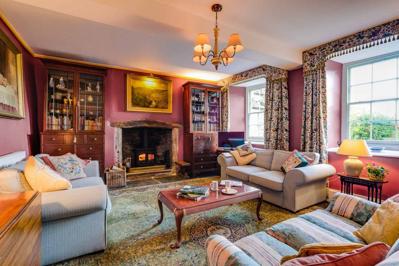 Details about a cottage Holiday at The West Wing at Trevadlock Manor