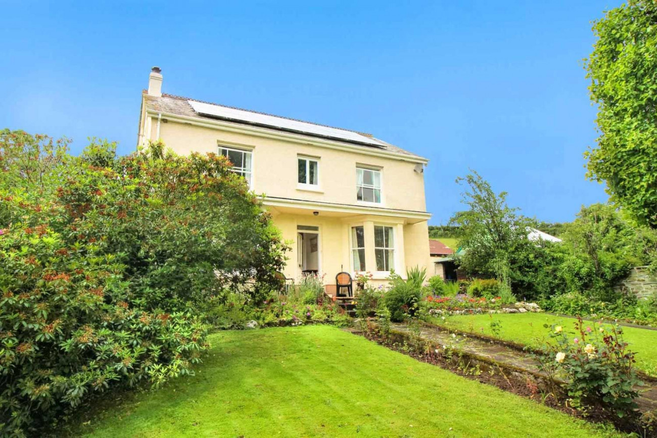 Lower Meadow a holiday cottage rental for 8 in Wadebridge,