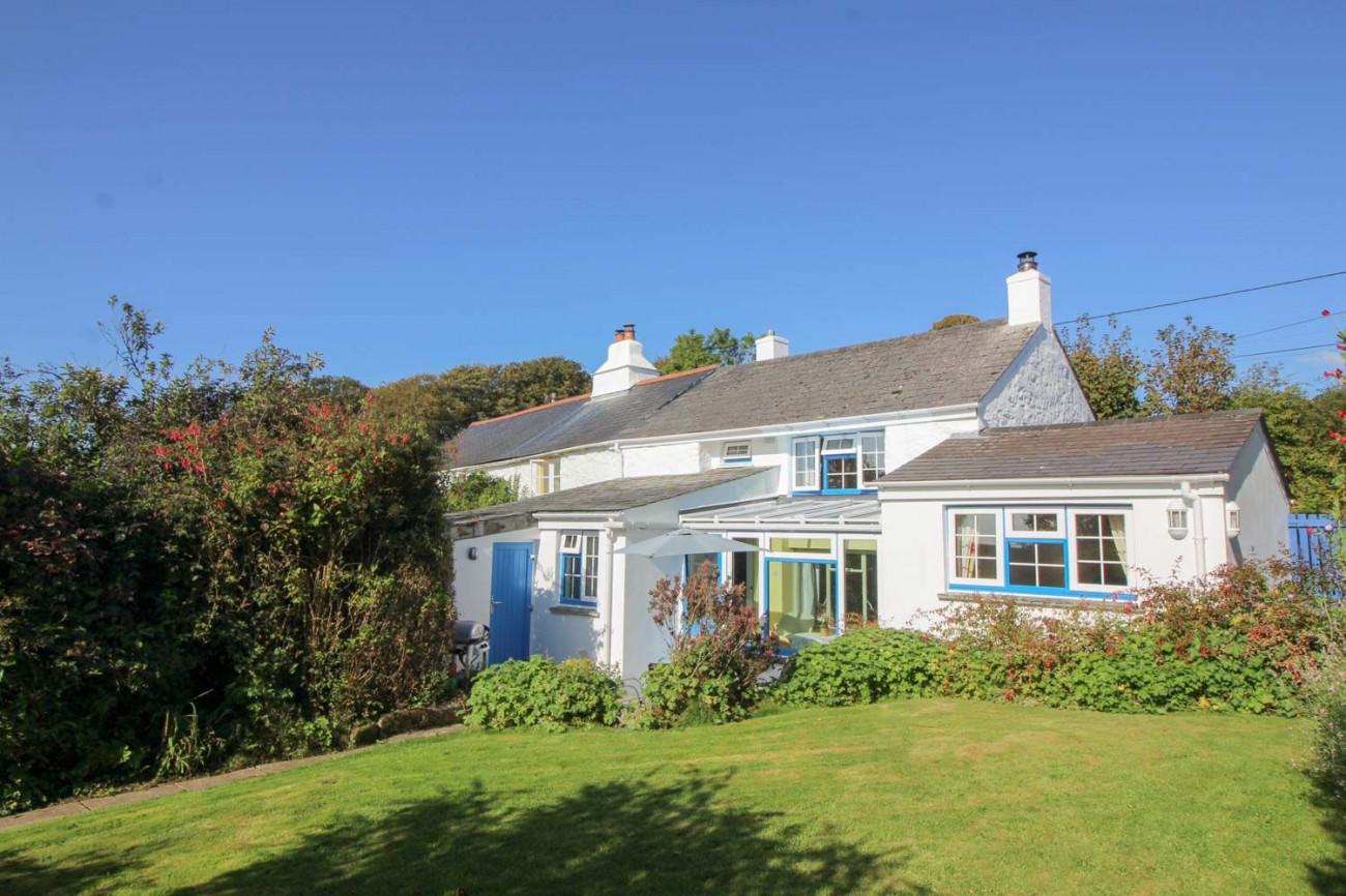 Badgers Cottage at Warleggan a holiday cottage rental for 4 in Bodmin Moor,