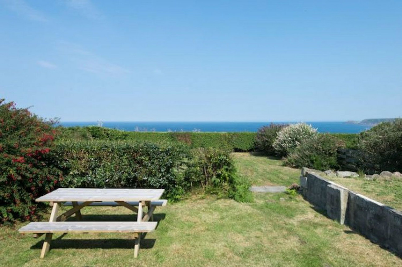 Dunroamin a holiday cottage rental for 8 in St Just,