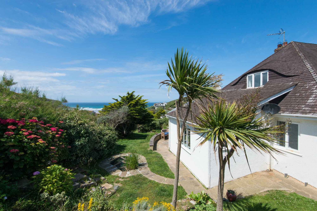 Blue Seas a holiday cottage rental for 11 in Mawgan Porth,