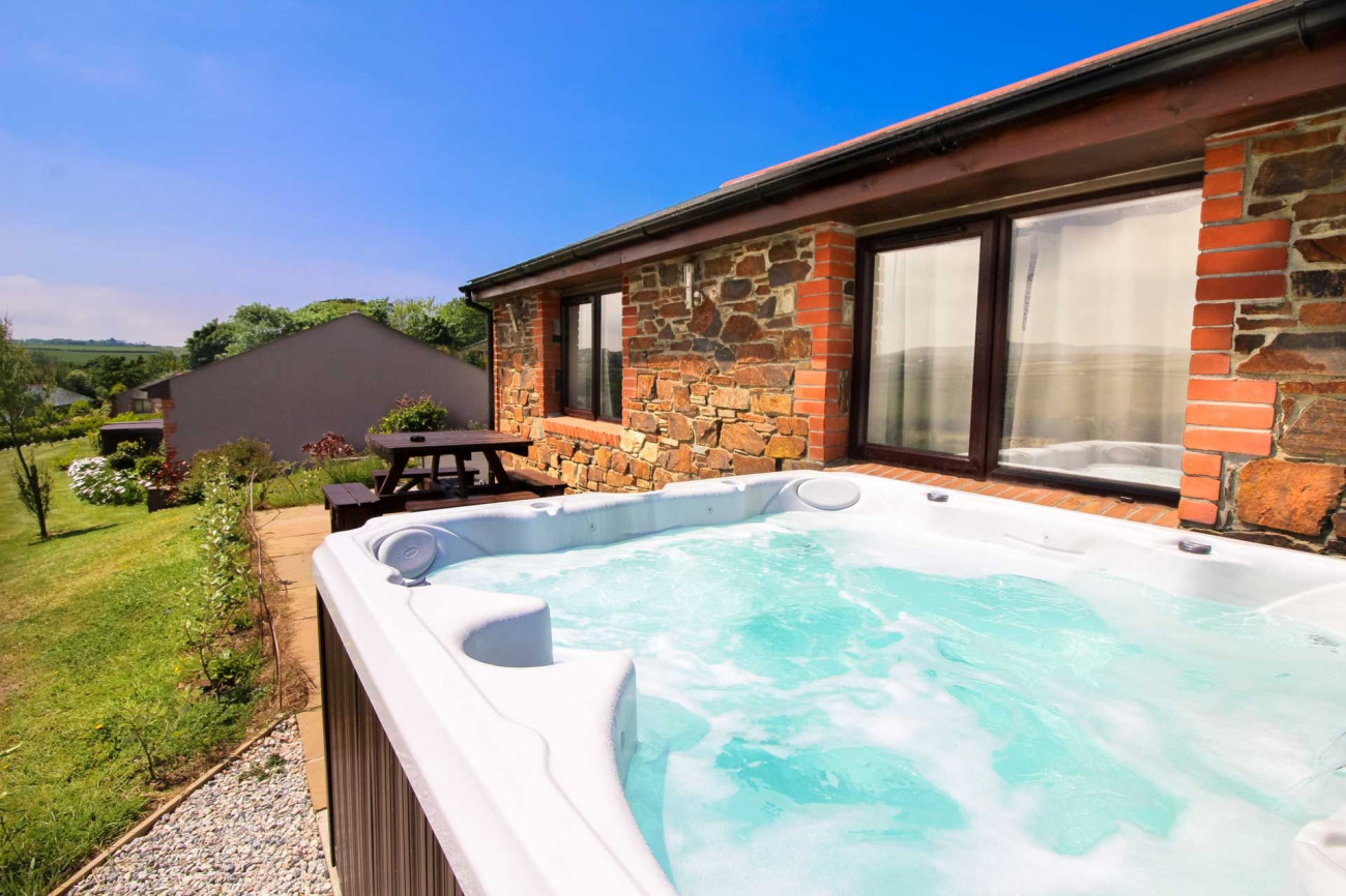 Broadbeach Cottage a holiday cottage rental for 6 in Portreath,