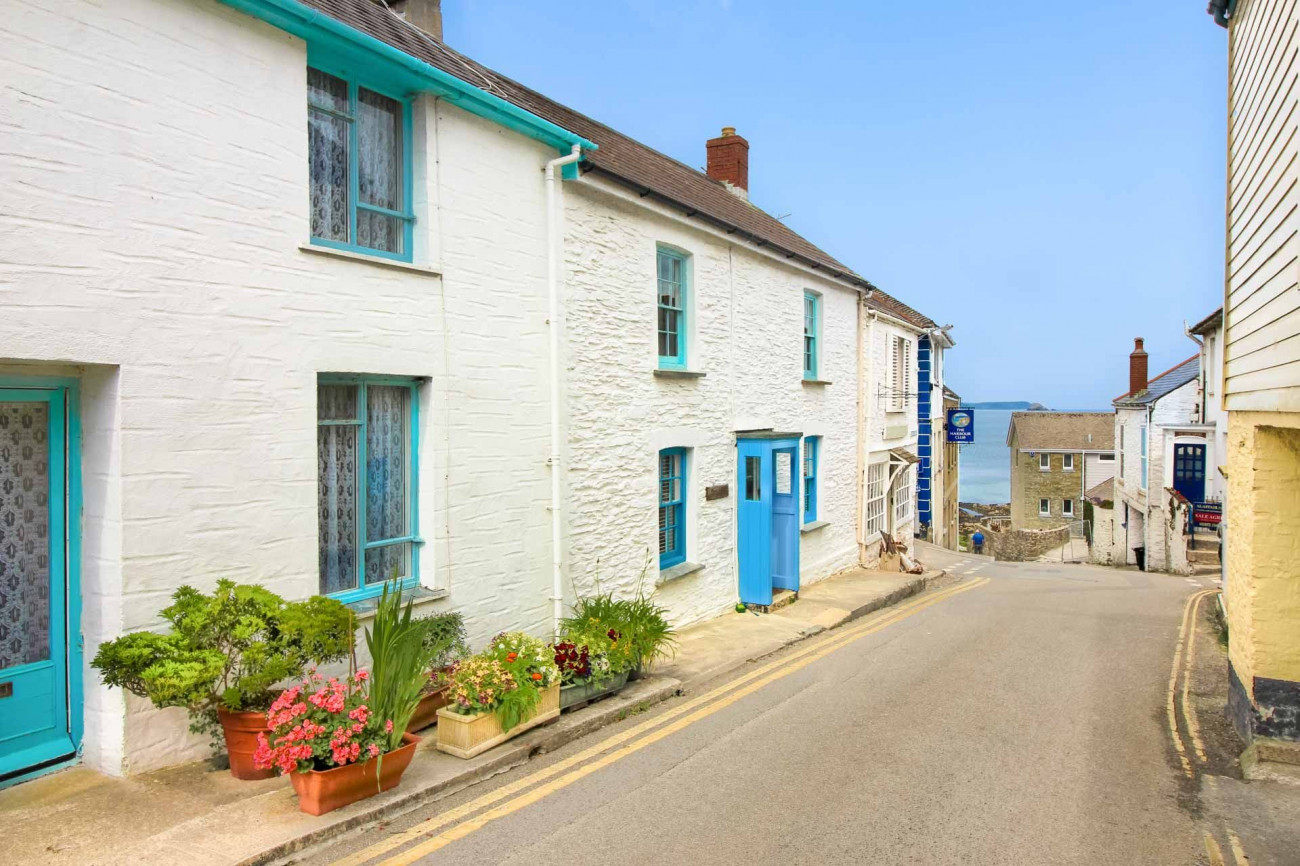 Shorelines a holiday cottage rental for 4 in Portscatho,