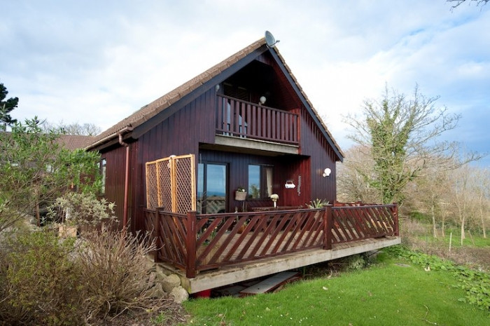 Seagreen Lodge a holiday cottage rental for 6 in Portscatho,