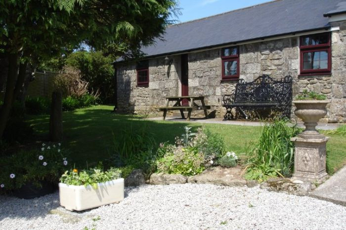 Towan at Chycarne Farm a holiday cottage rental for 2 in Praa Sands,