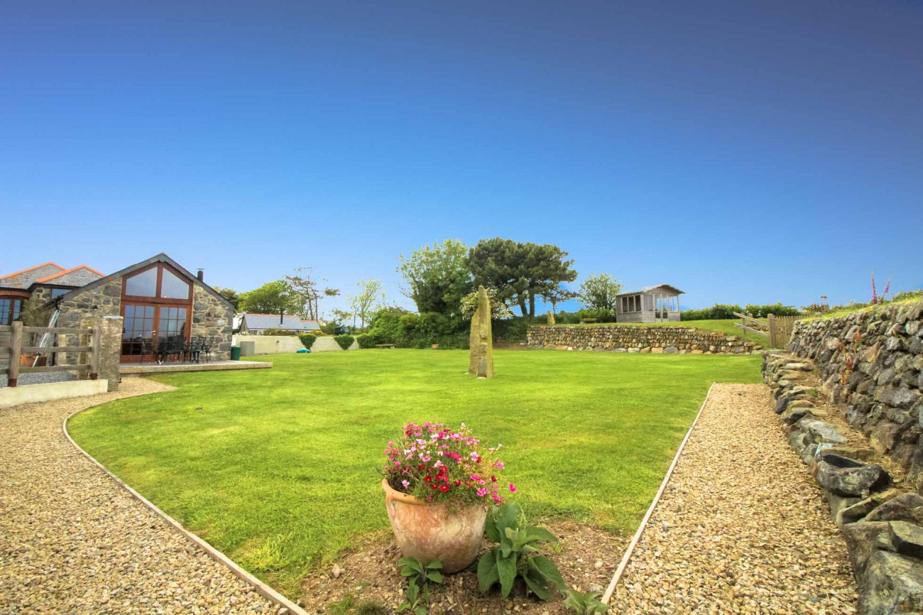 Manor Farmhouse a holiday cottage rental for 8 in The Lizard,