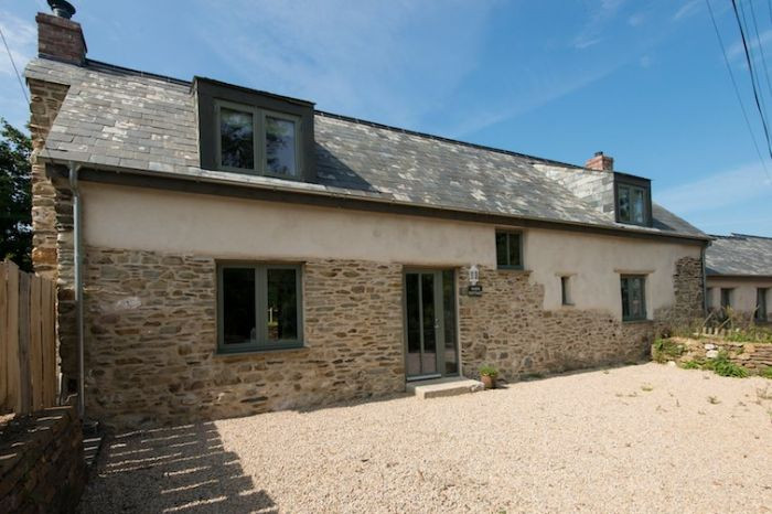 Whim Cottage a holiday cottage rental for 6 in Mylor Bridge,